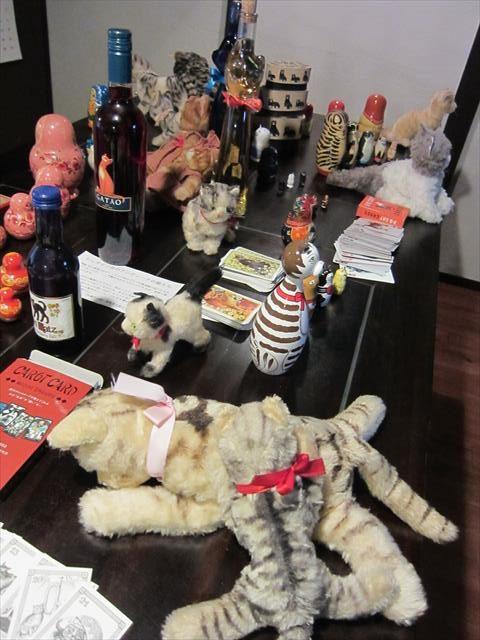 シュタイフの猫のぬいぐみとマトリョーシカ
